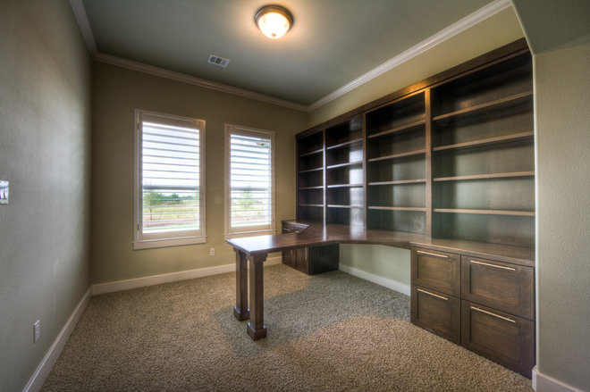 Traditional Home Office by Jeff Watson Homes, Inc.