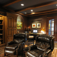 Traditional Home Office by Herridge & Assoc., Inc.