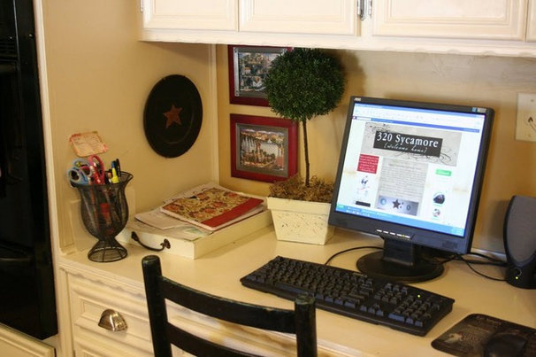 Traditional Home Office by 320 Sycamore
