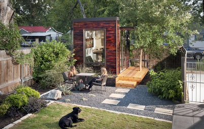 Houzz Tour: Ecofriendly Home-Office Shed in Austin