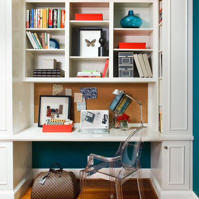 Example of a classic built-in desk home office design in DC Metro