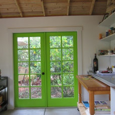 Tropical Home Office by Historic Shed