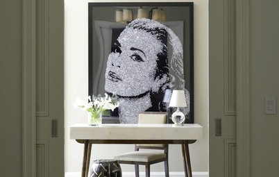The Faces Have It: Large Portraits Go Over Big