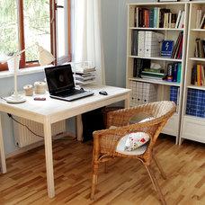 Eclectic Home Office by Praktyczne i Piękne