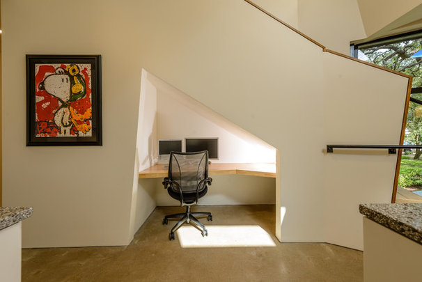 Contemporary Home Office by Tom Hurt Architecture