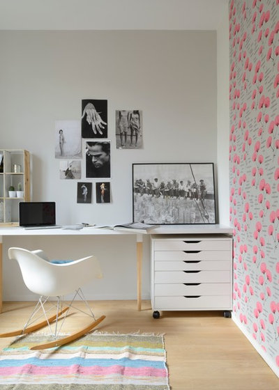 Contemporary Home Office & Library Apartment Bois-Colombes