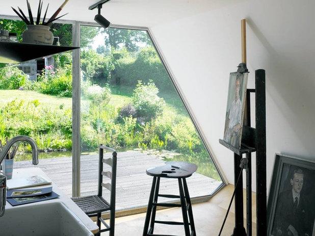 コンテンポラリー ホームオフィス・仕事部屋 by David Churchill - Architectural  Photographer