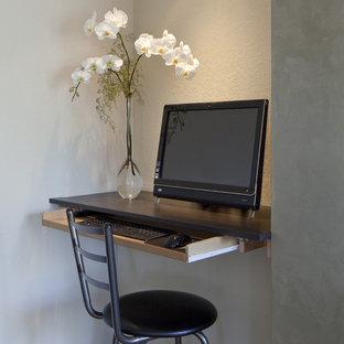 Zen home office photo in San Francisco