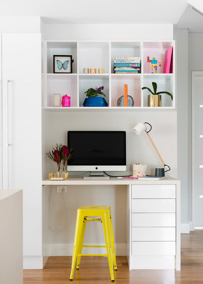 Contemporary Home Office by Kim Pearson Pty Ltd