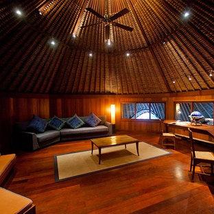 Foto de despacho de estilo zen con suelo de madera oscura y suelo marrón