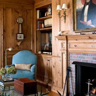 ボストンのビーチスタイルのおしゃれなホームオフィス・書斎 (レンガの暖炉まわり) の写真