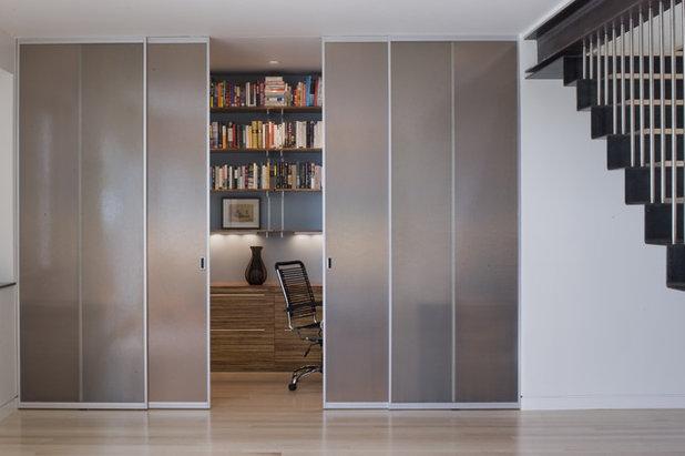 モダン ホームオフィス・仕事部屋 by John Lum Architecture, Inc. AIA