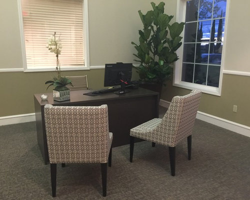 Leasing office home design ideas pictures remodel and decor for Leasing office decorating ideas