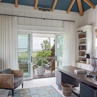 チャールストンのビーチスタイルのおしゃれなホームオフィス・仕事部屋の写真