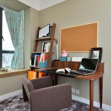 Modern Home Office by S.I.D.Ltd.