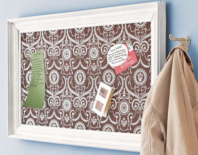 Twelve creative ways to decorate with message boards for Ways to decorate a bulletin board