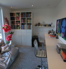 modern home office by Butikk Service