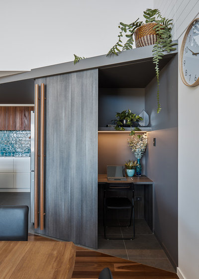 Contemporary Home Office by Justin Humphrey Architect