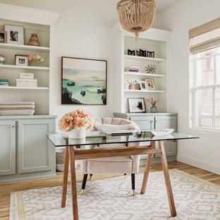 Источник вдохновения для домашнего уюта: кабинет в стиле неоклассика (современная классика)