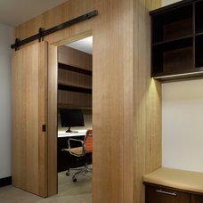 Contemporary Home Office by ROWLAND BROUGHTON ARCHITECTURE & URBAN DESIGN