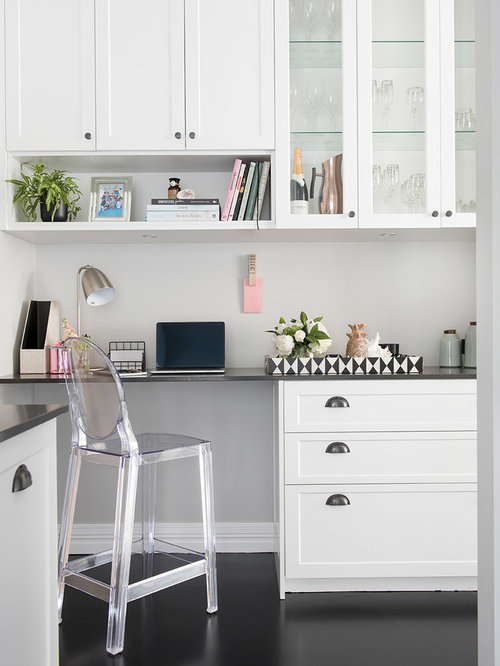 Inspiration for a transitional home office in perth