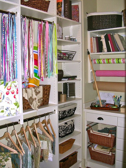 Eclectic Home Office Closet Offices / Becky Harris