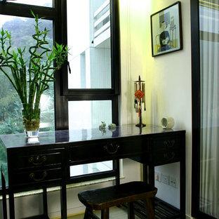 香港のアジアンスタイルのおしゃれなホームオフィス・仕事部屋の写真