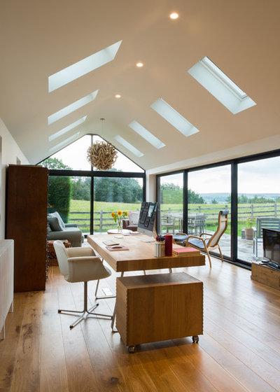 Modern Arbeitszimmer by Niche Design Architects