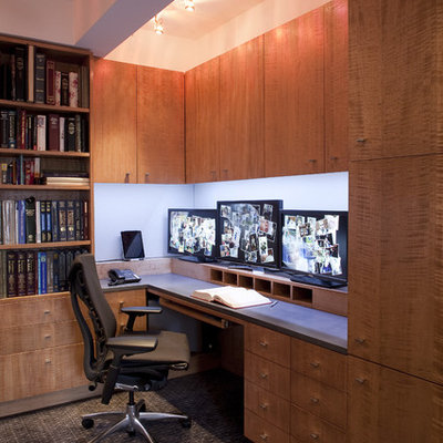 Inspiration for a contemporary built-in desk home office remodel in New York