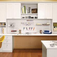 Moderne Bureau à domicile by California Closets Fort Lauderdale