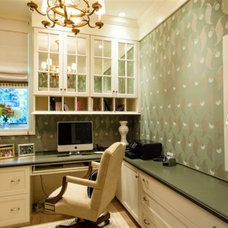 Traditional Home Office by K T Highland Inc