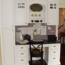 Traditional Home Office by Kelly Arthur