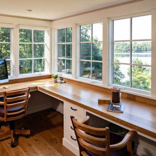 ビーチスタイルのおしゃれなホームオフィス・書斎の写真