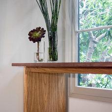 Modern Home Office by atelier KS