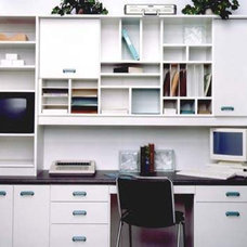 Traditional Home Office by Space Organization