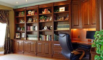 Davidsonville, MD - Custom Built In Library/Desk