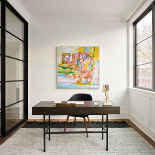 Home office - contemporary home office idea in Chicago
