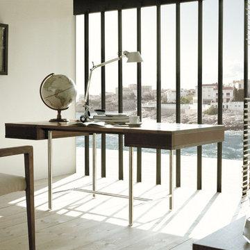 Desk 10619