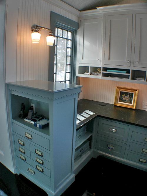 Elegant home office photo in Boston