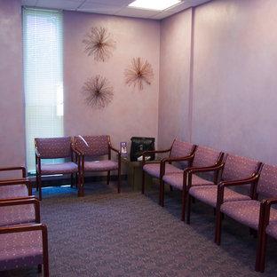 ニューヨークのトラディショナルスタイルのおしゃれなホームオフィス・仕事部屋の写真