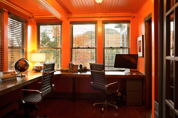 Modern Home Office by Edward DeLeon