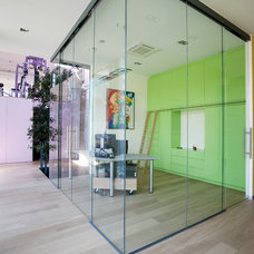Modern Home Office by LEICHT New York / LEICHT Westchester