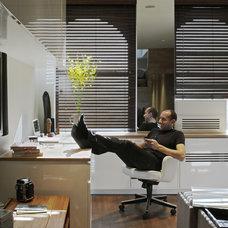 Modern Home Office by Jordan Parnass Digital Architecture