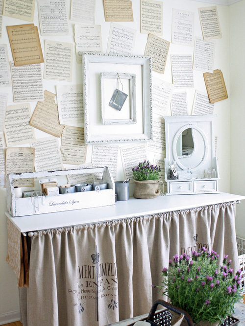 Inspiration For A Shabby Chic Style Craft Room Remodel In Chicago