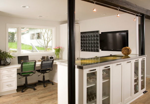 Contemporary Home Office by REIER Construction