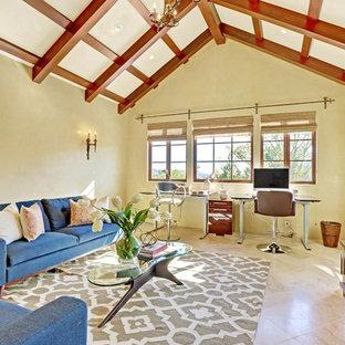 На фото: огромный кабинет в классическом стиле с зелеными стенами, мраморным полом и отдельно стоящим рабочим столом без камина