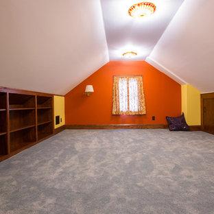 Свежая идея для дизайна: кабинет среднего размера в стиле кантри с местом для рукоделия, желтыми стенами и ковровым покрытием без камина - отличное фото интерьера