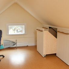 Traditional Home Office by Donelan Contracting