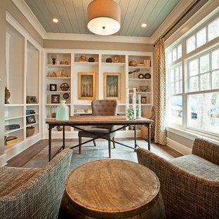 コロンバスのビーチスタイルのおしゃれなホームオフィス・仕事部屋の写真