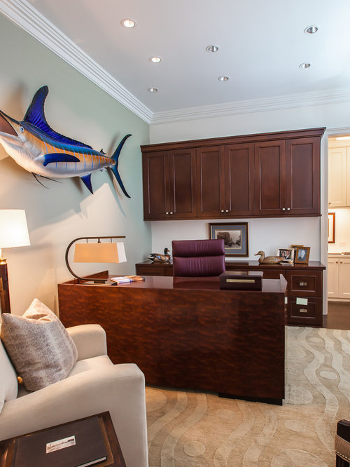 Inspiration for a large timeless home office remodel in Dallas with ...
